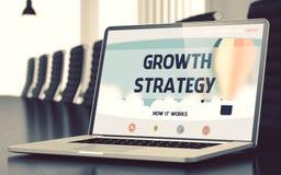Wzrostowa strategia na laptopu ekranie - zbliżenie 3d Obrazy Stock