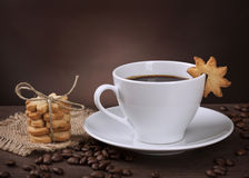 Xícara de café com biscoito Imagem de Stock