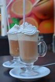 Xícara de café com gelado e chantiliy Imagens de Stock