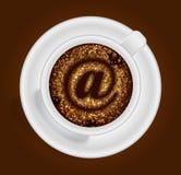 Xícara de café com o sinal Fotografia de Stock