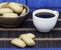 Xícara de café e biscoitos Imagem de Stock Royalty Free