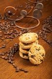 Xícara de café e bolos Foto de Stock Royalty Free