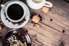 Xícara de café e doces foto de stock royalty free