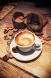 Xícara de café na tabela no estilo do grunge do vintage Fotografia de Stock Royalty Free