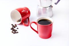Xícara de café vermelha dos copos de café no fundo branco do fundo com xícara de café Imagens de Stock Royalty Free