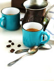 Xícaras de café e potenciômetro do café Foto de Stock Royalty Free