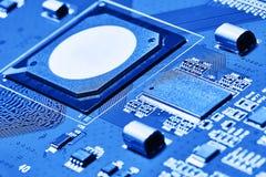 x的董事会电路关闭作用电子光芒 免版税库存图片