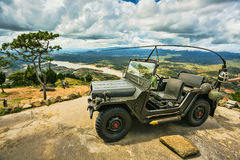 4x4 bilen Vietnam gjorde samma jeepmärke Royaltyfri Bild