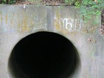 6& x27; Durchmesser-Beton-Abflussöffnung Lizenzfreie Stockfotografie
