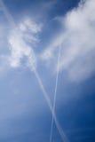 X en el cielo Imagenes de archivo