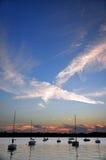X en el cielo foto de archivo