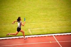 4x400m.Relay em Tailândia abrem o campeonato atlético 2013. Foto de Stock