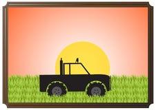 4x4 nell'immagine di Sun dell'erba Fotografie Stock Libere da Diritti
