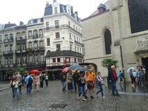 It& x27; s che piove a Bruxelles immagine stock libera da diritti