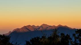 It& x27; s om den nya dagen på bergen Arkivbild