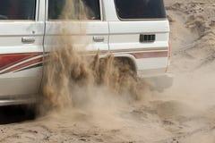 4x4 som klibbas i sand, Etiopien Royaltyfri Bild