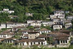 & x22; Stad av tusen Windows& x22; --Berat Albanien Arkivfoto