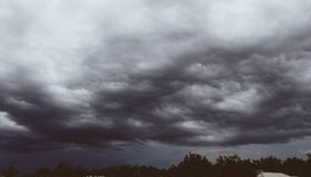 It& x27; tempo de s chover fotografia de stock
