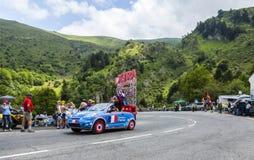 X-TRA有蓬卡车-环法自行车赛2014年 免版税库存照片