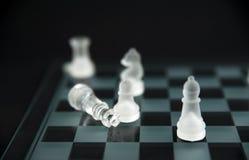 Xadrez de vidro - checkmate Imagens de Stock Royalty Free