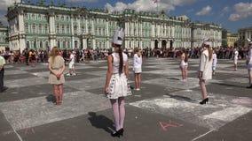 Xadrez viva O quadrado do palácio St Petersburg 4K vídeos de arquivo