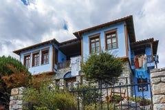 XANTHI GRECJA, WRZESIEŃ, - 23, 2017: Typowa ulica i stary dom w starym miasteczku Xanthi, Wschodni Macedonia i Thrace, Zdjęcia Stock