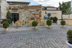 XANTHI GRECJA, WRZESIEŃ, - 23, 2017: Typowa ulica i stary dom w starym miasteczku Xanthi, Wschodni Macedonia i Thrace, Zdjęcie Stock