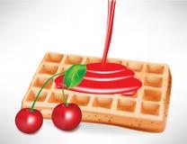 Xarope da cereja sobre o waffle belga Imagens de Stock