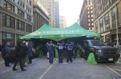 Xbox man stellte sich auf Broadway während der Woche des Super Bowl XLVIII in Manhattan dar Lizenzfreies Stockfoto