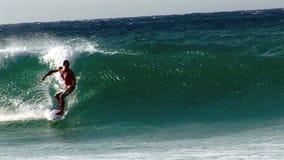 Xcorps TV som surfar handling 4 för Hawaii strandavbrott lager videofilmer