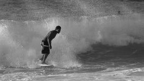 Xcorps TV som surfar Hawaii den norr kusten 19 BW stock video