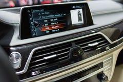 XDrive εσωτερικό της BMW M760i στοκ φωτογραφία