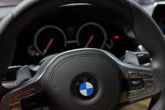 XDrive εσωτερικό της BMW M760i στοκ εικόνα