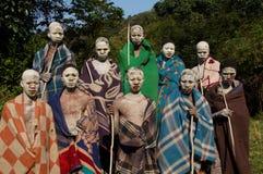 Xhosajungen, die Ritual in Südafrika durchmachen Stockfotografie