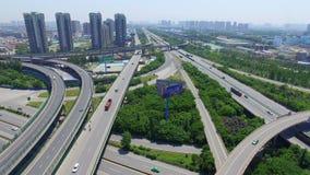 XI. «, Chiny, 16 2017 Maj, anteny ruch drogowy strzał poruszający na wiaduktach, XI. «, Chiny zbiory wideo