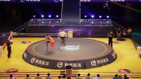 XI '- JUN 16: De spelers voor het vrije gevecht passen, Jun 16, 2013, Xi een 'stad, Shaanxi-provincie, China aan stock video
