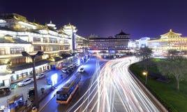 XI `古城交通夜视域 图库摄影