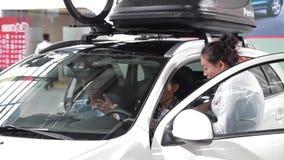 Xi'an CHINA, - 30 de septiembre de 2013: - Sal?n del autom?vil de Macao, almacen de video