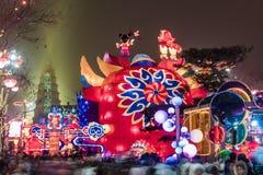 Xi ?, China - 13 Februari, 2019 De menigte bij Toneelvlek voor viert Chinees de lentefestival stock afbeeldingen