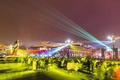 XI. Chiny, Feb ?, - 13, 2019 T?oczy si? przy Scenicznym punktem dla ?wi?tuje Chi?skiego wiosna festiwal zdjęcia stock