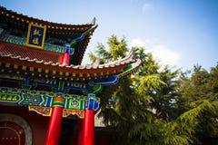 ` XI en forntida kinesisk arkitektur för Guangren tempel Royaltyfri Bild
