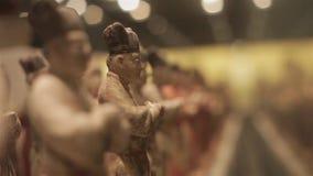 XI ?Kina-Maj 30 2012: Kinesisk forntida sk?rm f?r kulturell relik i det Shaanxi museet stock video