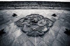 ` Xi un drago cinese antico del tempio di Guangren Immagini Stock Libere da Diritti