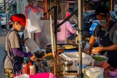 Xia Lin Scallion Pancake Um vendedor ambulante famoso da panqueca da chalota em Tainan, Taiwan imagens de stock