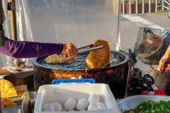 Xia Lin Scallion Pancake Um vendedor ambulante famoso da panqueca da chalota em Tainan, Taiwan fotografia de stock