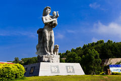 Xiamen sea Statue of mother and son Stock Photography