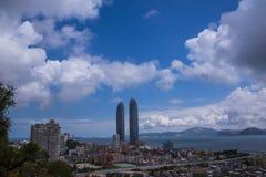 Xiamen tvillingbröder under t大海,honom blå himmel arkivfoton