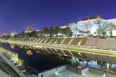 xian circumvallation夜视域的Beaitiful护城河 免版税图库摄影