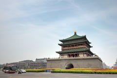XIAN KINA - Juni 22 2014: Xian Bell Tower en berömd gränsmärke in Arkivfoton