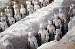 XIAN AM 11. MAI: Ausstellung der berühmten chinesischen Terrakotta-Armee-Terrakotta-Krieger am 11. Mai 2016 in Xian, von Shaanxi  Lizenzfreie Stockfotos